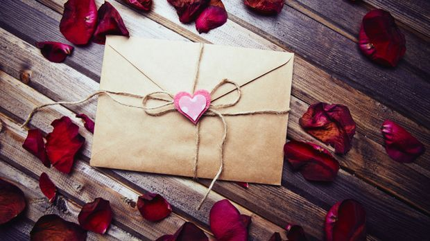 Beziehung_2016_01_21_Valentinstag Karte_Schmuckbild_fotolia_pressmaster