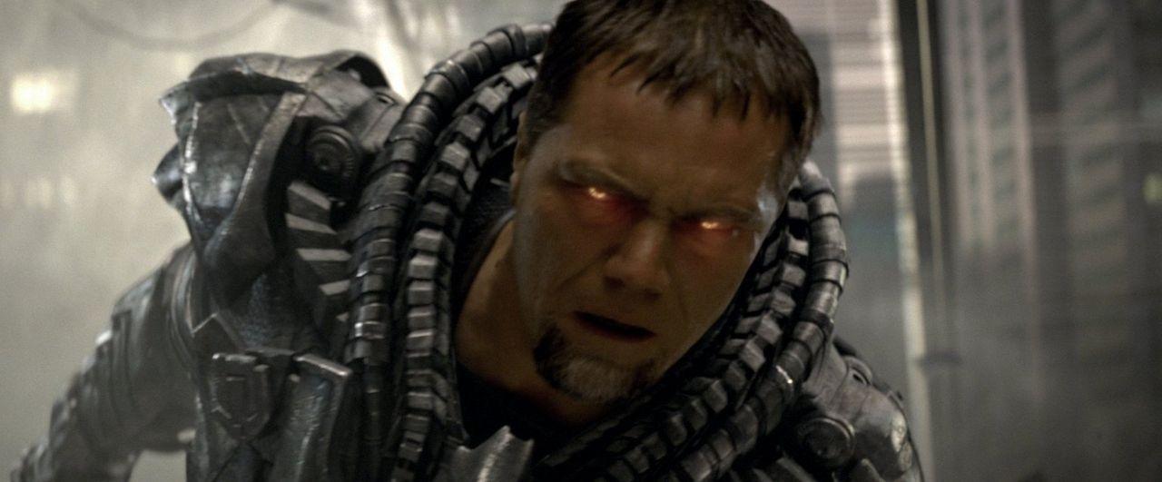 Bösewicht General Zod (Michael Shannon) glüht wortwörtlich für sein Ziel, die Vernichtung der Erde und die Wiedererschaffung seines Heimatplaneten K... - Bildquelle: 2013 Warner Brothers