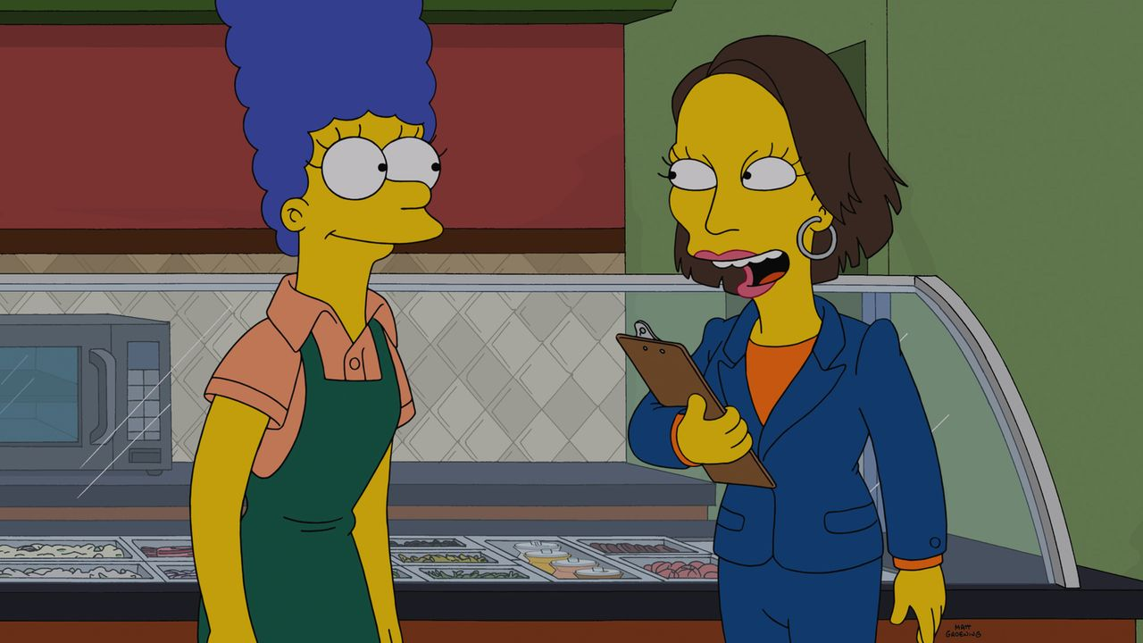 Der neue Job ist für Marge (l.) eine Chance, Homer zu unterstützen, doch was hat ihre Chefin (r.) vor? - Bildquelle: 2014 Twentieth Century Fox Film Corporation. All rights reserved.