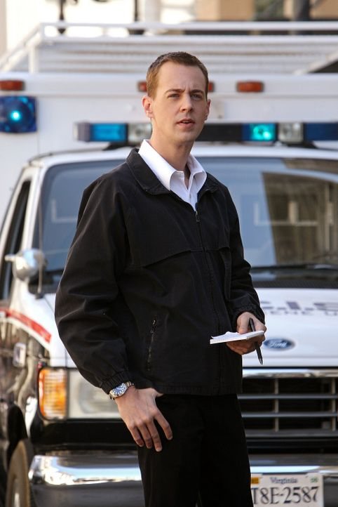 Bei den Ermittlungen in einem neuen Fall: McGee (Sean Murray) ... - Bildquelle: CBS Television
