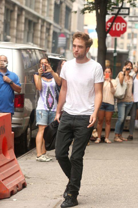 Robert Pattinson vom Hotel zur Cosmopolis Pressekonferenz  - Bildquelle: WENN