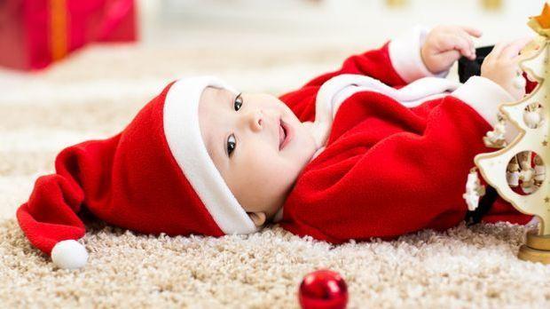 Weihnachtsurlaub_2015_11_03_Weihnachten mit Baby_Schmuckbild_fotolia_Oksana K...
