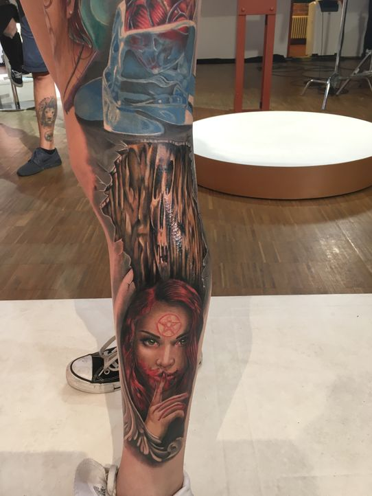 Pain & Fame Tattoos Folge 4 -11 - Bildquelle: RedSeven