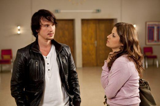 Hand aufs Herz - Helena muss notgedrungen ihre Pläne gegen Bea (Vanessa Jung,...