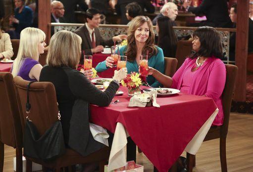 Mom - Die Fürsprache, die Christy (Anna Faris, l.) und Bonnie (Allison Janney...