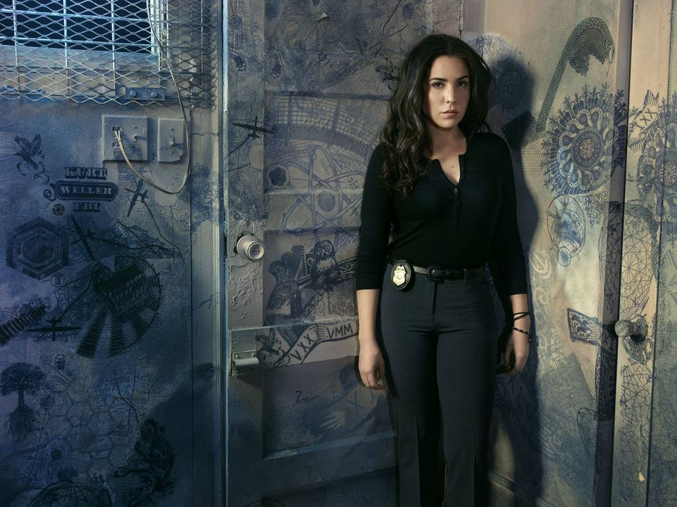 (2. Staffel) - Auch Tasha Zapata (Audrey Esparza) wird von den Sünden ihrer Vergangenheit eingeholt ... - Bildquelle: Warner Brothers.