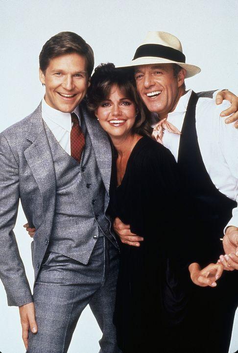 Gerade als Kay (Sally Field, M.) mit ihrem neuen Verlobten Rupert (Jeff Bridges, l.) ein neues Leben beginnen will, erscheint der Geist ihres vor dr... - Bildquelle: Twentieth Century Fox Film Corporation