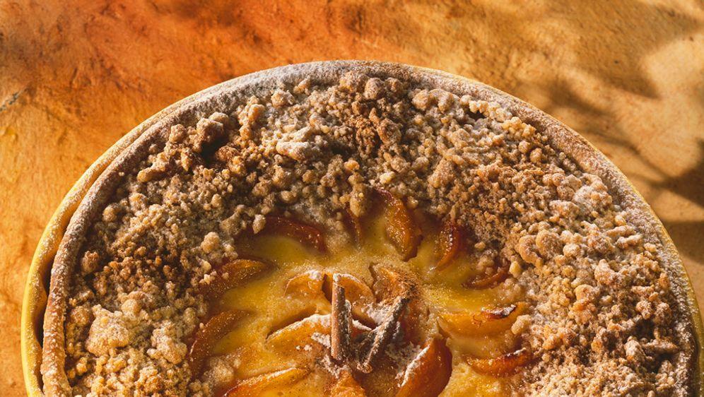 Enie backt: Rezept-Bild Aprikosen-Tarte mit Streuseln - Bildquelle: Photocuisine
