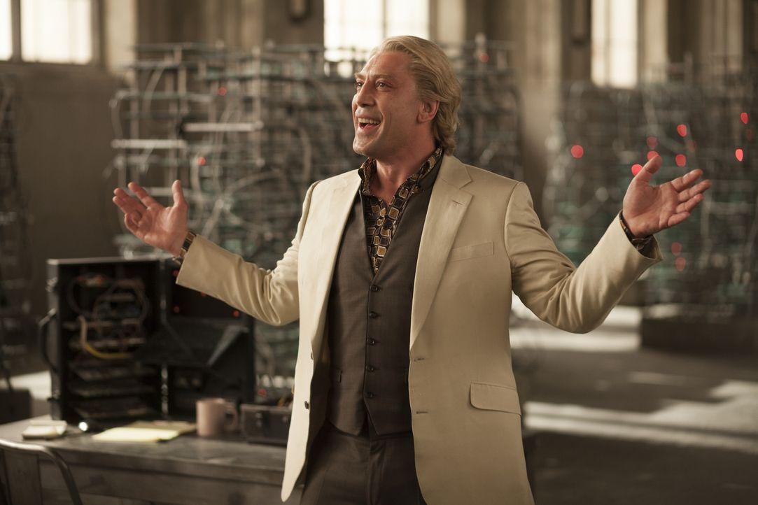 Silva (Javier Bardem), einst Agent im Dienste des MI6, ist stinksauer auf seinen ehemaligen Arbeitgeber und auf M. Nun plant er deren Vernichtung ... - Bildquelle: Skyfall   2012 Danjaq, LLC, United Artists Corporation and Columbia Pictures Industries, Inc. All rights reserved.