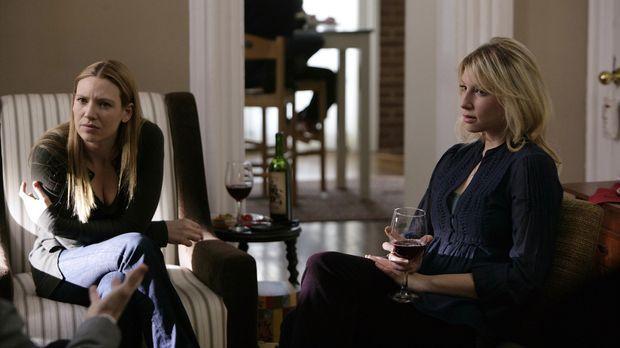 Olivia (Anna Torv, l.) genießt die gemeinsame Zeit mit ihrer Schwester Rachel...