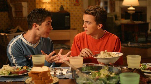 Reese (Justin Berfield, l.) vertraut seinem Bruder Malcolm (Frankie Muniz, r....