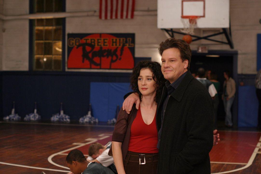 Endlich können sie ihr Glück genießen: Karen (Moira Kelly, l.) und Keith (Craig Sheffer, r.) finden endlich zueinander ... - Bildquelle: Warner Bros. Pictures