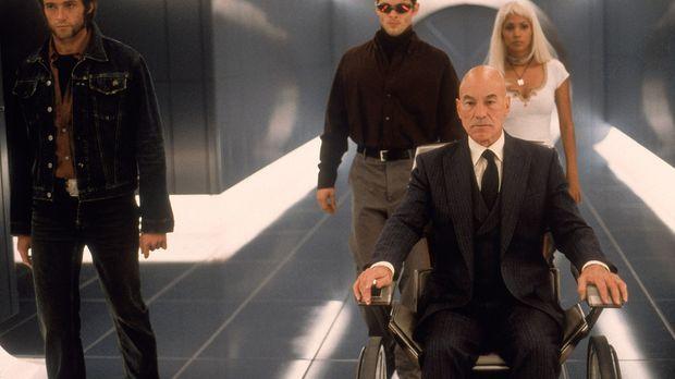 Professor X (Patrick Stewart, 2.v.r.) und seine X-Men: Wolverine (Hugh Jackma...
