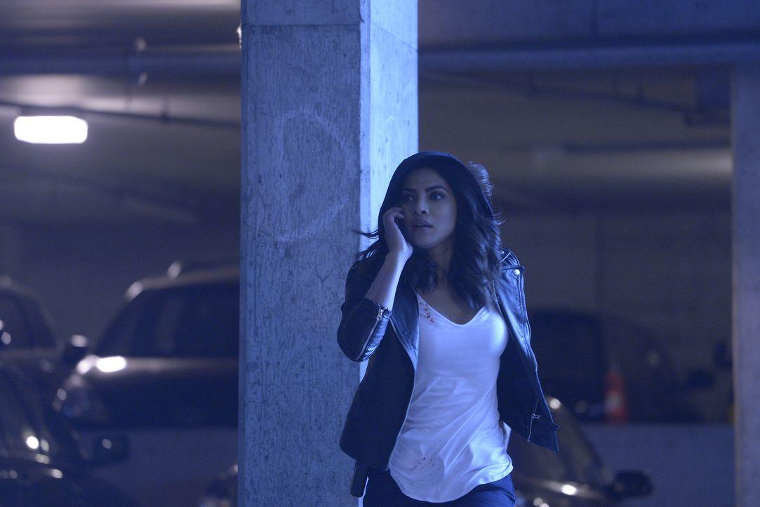 Muss erneut flüchten, um ihre Unschuld zu beweisen: Alex (Priyanka Chopra) ... - Bildquelle: Philippe Bosse 2016 American Broadcasting Companies, Inc. All rights reserved.