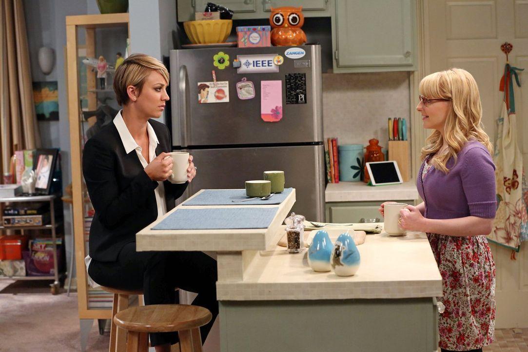 Frauengespräche: Penny (Kaley Cuoco, l.) und Bernadette (Melissa Rauch, r.) ... - Bildquelle: Warner Brothers