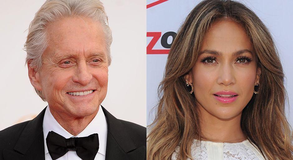 Emmy-Awards-Michael-Douglas-13-09-22-AFP-Jennifer-Lopez-13-07-26-gettyAFP - Bildquelle: AFP/getty-AFP