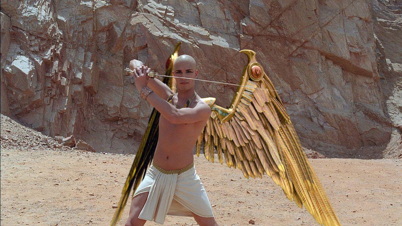 Nimmt den Kampf gegen das Böse auf: der junge Pharao Tutanchamun (Francisco Bosch) ... - Bildquelle: 2006 RHI Entertainment Distribution, LLC
