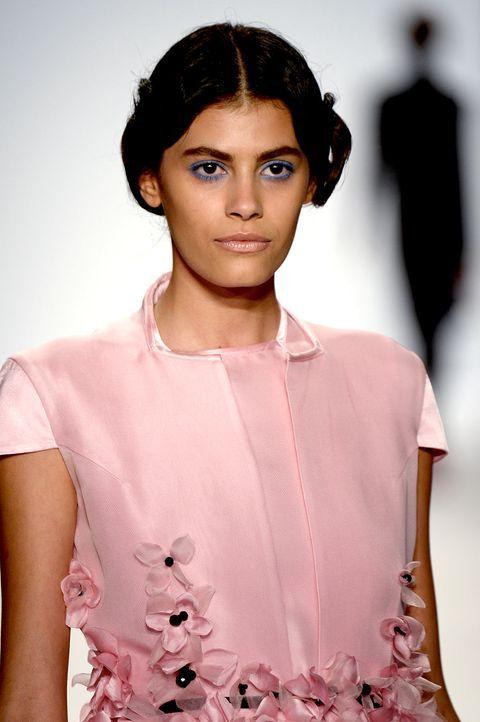 Fashionweek-Alisar-Zang-Toi-1-13-09-10-AFP - Bildquelle: AFP