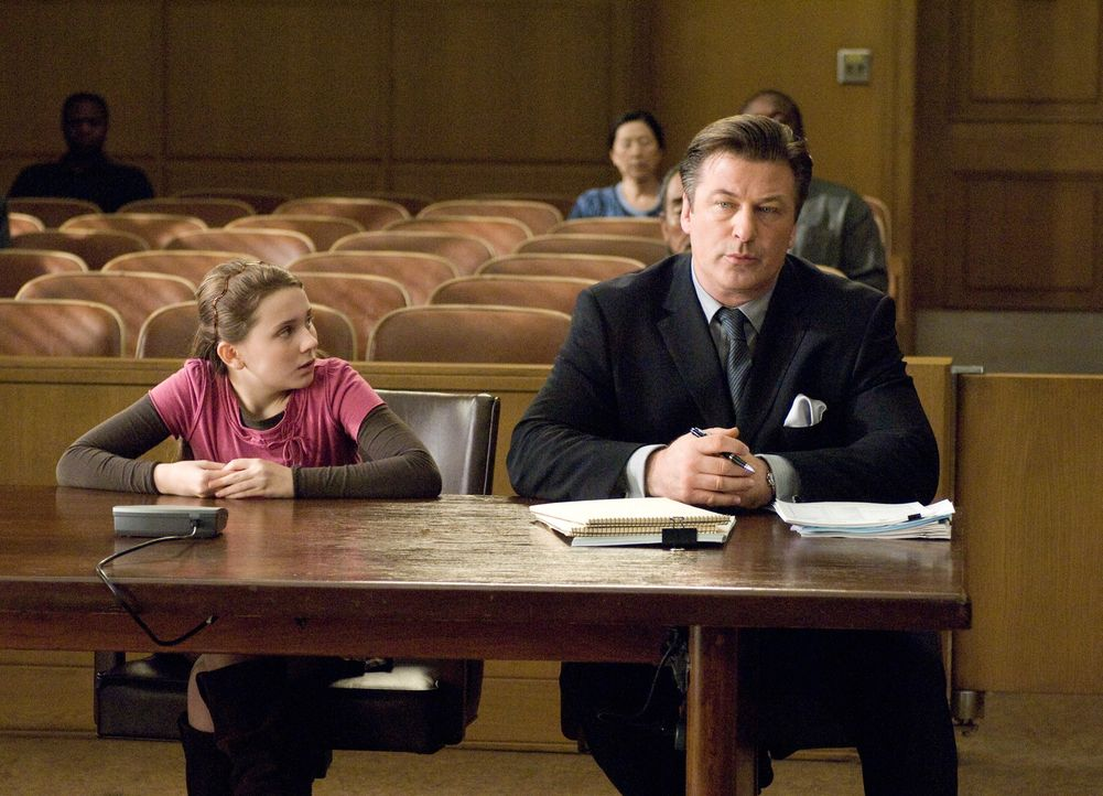 Brian und Sara Fitzgerald sind zu allem bereit, um Kate am Leben zu erhalten. Doch dann, als Anna (Abigail Breslin, l.) elf Jahre alt ist, weigert s... - Bildquelle: Warner Brothers