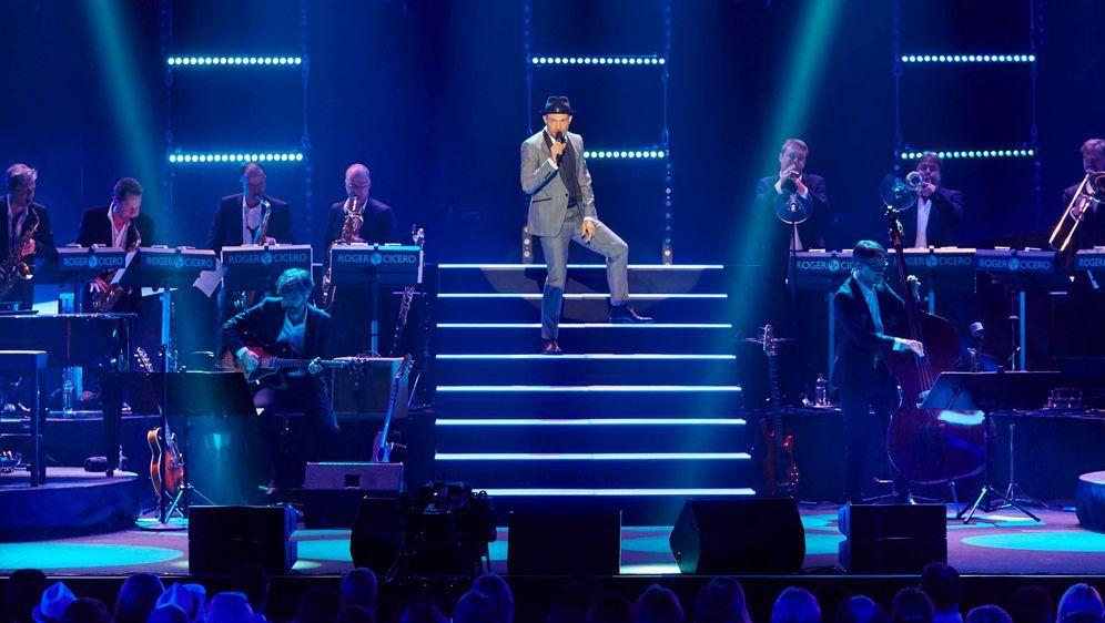 Roger Cicero - Cicero sings Sinatra (Live in Hamburg) - Bildquelle: malzkornfoto-Hamburg
