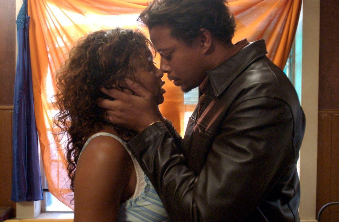 Hat ihre Liebe wirklich eine Chance? Shug (Taraji P. Henson, l.) und Djay (Terrence Dashon Howard, r.) - Bildquelle: 2005 by PARAMOUNT PICTURES. All Rights Reserved.