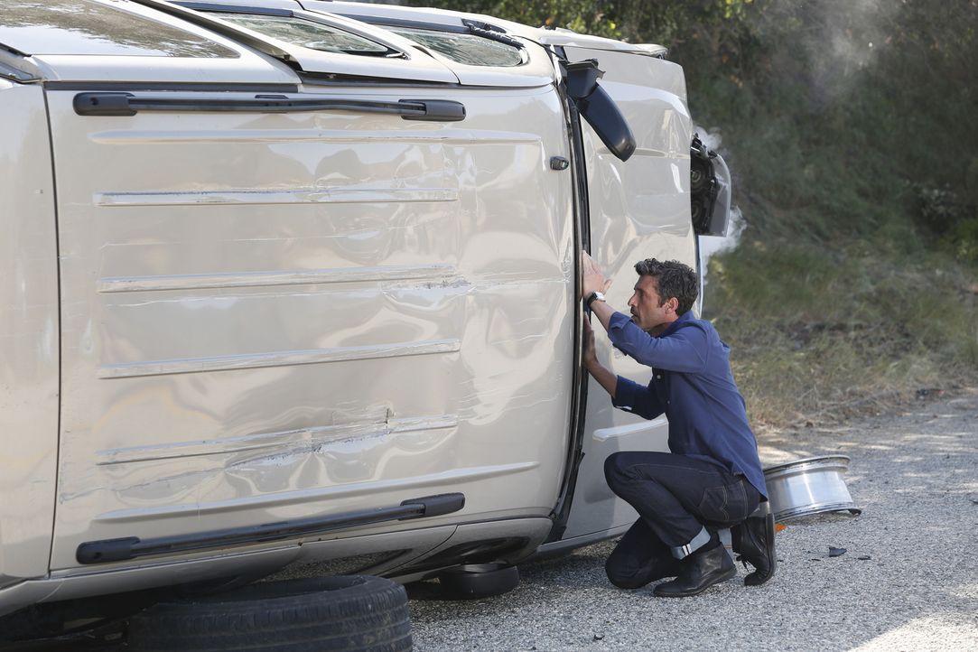 Als Derek (Patrick Dempsey) Zeuge eines schrecklichen Autounfalls wird, zögert er nicht lange zu helfen, während sich Meredith große Sorgen um ihn m... - Bildquelle: ABC Studios