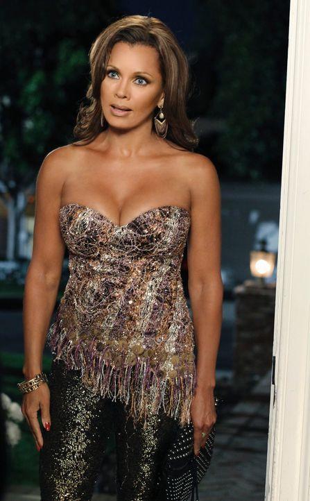 Versucht Bree dazu zu überreden, mit ihr in einem Club auf Männerjagd zu gehen: Renee (Vanessa Williams) ... - Bildquelle: ABC Studios