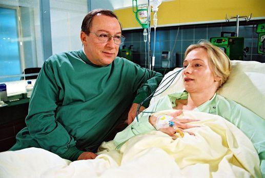 Für alle Fälle Stefanie - Im Krankenhaus wird eine junge Frau eingeliefert. D...