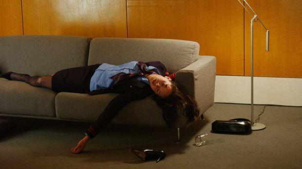 Nachdem die Leiche der jungen Linda Schmidt (Heather Donahue) gefunden wurde,...