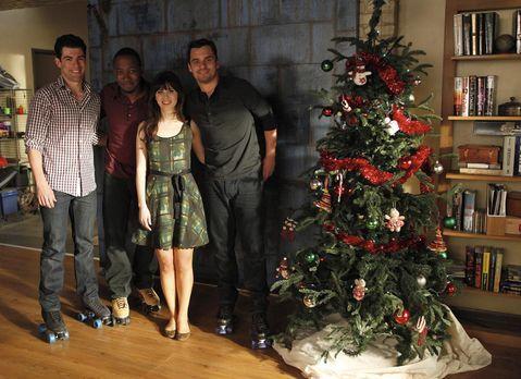 New Girl - Auf die Freunde wartet ein ganz besonderes Weihnachtsfest: (v.l.n....