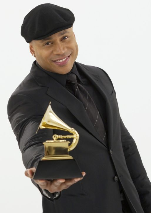 Die Liste der GRAMMY® - Nominierten besteht auch in diesem Jahr aus der Crème de la Crème der Musikbranche. LL Cool J (LL Cool J) führt durch die sp... - Bildquelle: Robert Voets 2012 CBS BROADCASTING INC. All Rights Reserved.