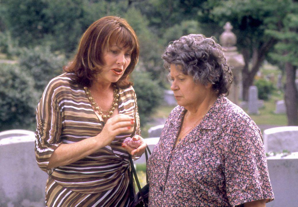 Haben einen Plan um ihre Söhne zu bekehren: Lina (Mary Walsh, l.) und Maria (Ginette Reno, r.) ... - Bildquelle: Samuel Goldwyn Films