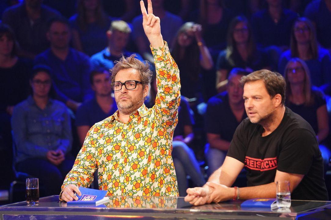 Können Paul Panzer (l.) und Martin Rütter (r.) ihr gegnerisches Team entlarven? - Bildquelle: Guido Engels SAT.1/ Guido Engels