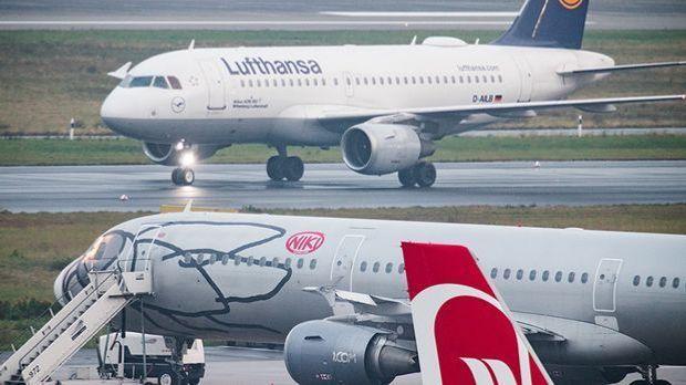 Flugzeuge von Lufthansa und Niki