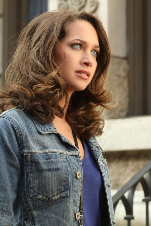 Gabrielle und Angie machen sich auf nach New York, um dort nach Ana (Maiara Walsh) und Danny zu suchen. Doch werden sie sie finden? - Bildquelle: ABC Studios