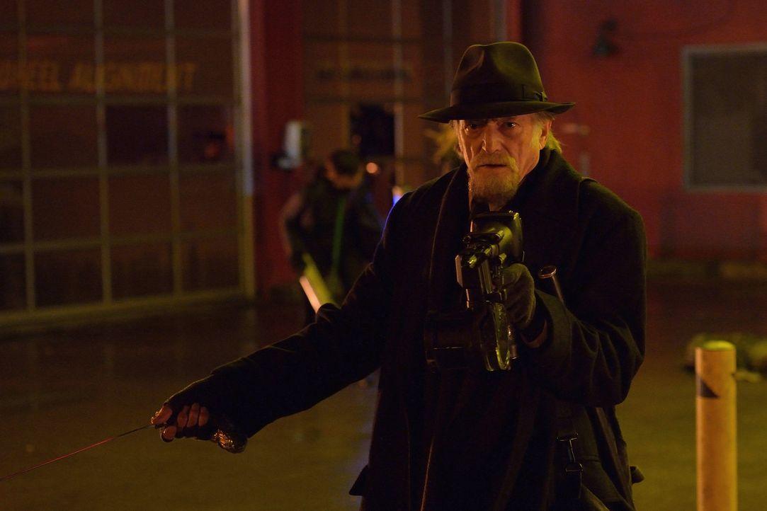 Nach und nach wird Abraham (David Bradley) bewusst, dass die Gruppe Vampire Jagd auf ihn und seine Verbündeten macht ... - Bildquelle: 2014 Fox and its related entities. All rights reserved.