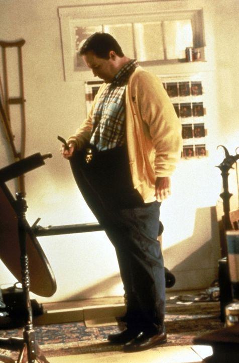 Der dicke Anwalt Billy Hallek (Robert John Burke) wird mit einem Fluch belegt: Er wird dünner und dünner und dünner ... - Bildquelle: Paramount Pictures