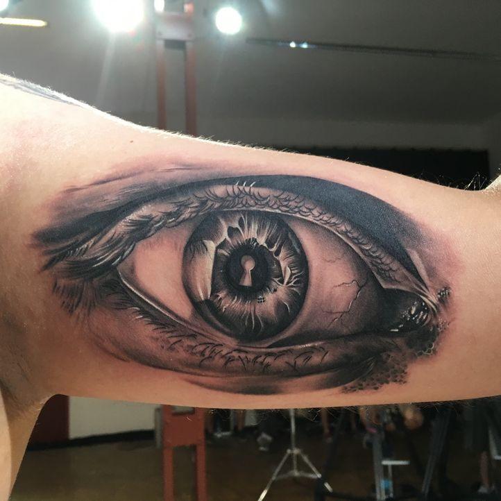 Pain & Fame Tattoos Folge 1 -11 - Bildquelle: RedSeven