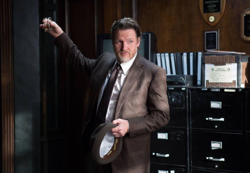 Als ein Kinderschmuggelring in Gotham auftaucht, sind James Gordon und Harvey Bullock (Donal Logue) gefragt, um die Kinder davor zu retten ... - Bildquelle: Warner Bros. Entertainment, Inc.