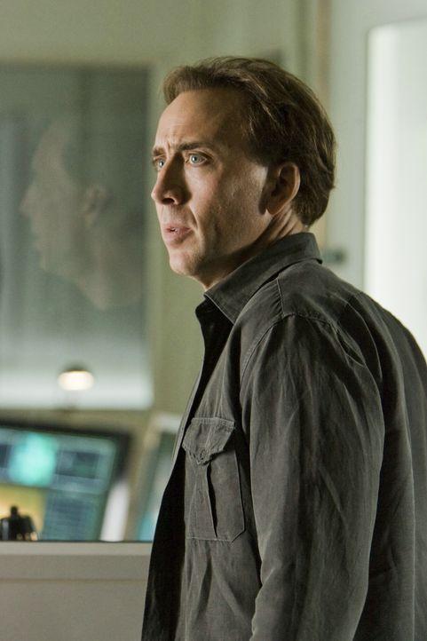Schon bald erkennt Astrophysiker John Koestler (Nicolas Cage) eine Gesetzmäßigkeit innerhalb der dubiosen Liste. Ihm wird klar, dass ein Teil der Za... - Bildquelle: 2009 Summit Entertainment, LLC.  All Rights Reserved