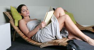 Einer der wichtigsten Sauna-Tipps: Zwischendurch ausreichend lange Pausen ein...