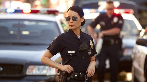 Ein Fernsehteam dreht einen Dokumentationsfilm über den Dienst der Cops in Lo...