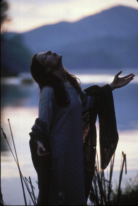 In der Einsamkeit des Waldes hat Nell (Jodie Foster) eine eigene Art zu Leben entwickelt ... - Bildquelle: 1994 TWENTIETH CENTURY FOX FILM CORPORATION All Rights Reserved.