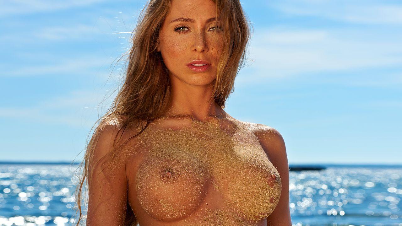 Alicia-Büchel-2 - Bildquelle: Philip la Pepa für Playboy Dezember 2015