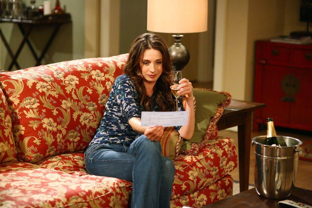Während Alan und Walden um ihr Leben fürchten, erhält Judith (Marin Hinkle) einen Scheck von Charlie ... - Bildquelle: Warner Brothers Entertainment Inc.