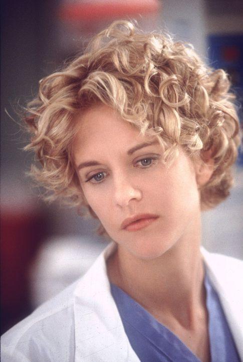 Die wunderschöne Chirurgin Maggie (Meg Ryan) ist eine passionierte Ärztin, die über den Tod eines ihrer Patienten nicht hinwegkommt ... - Bildquelle: Warner Bros.