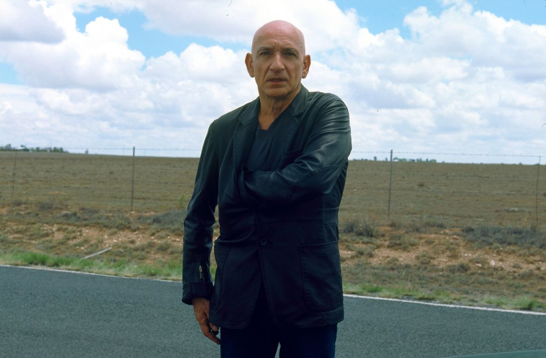 "Bald stellt sich heraus, dass es sich bei dem Killer um den Ex-FBI-Mann Benjamin O'Ryan (Ben Kingsley) handelt. Als ""Remote Viewer"" hat O´Ryan die F... - Bildquelle: 2006 Sony Pictures Television International"