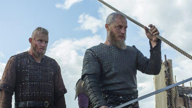 Ragnar (Travis Fimmel, r.), und Bjorn (Alexander Ludwig, l.) und die Wikinger...