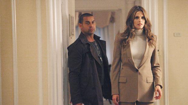 Ein neuer Fall beschäftigt Javier Esposito (Jon Huertas, l.) und Kate Beckett...