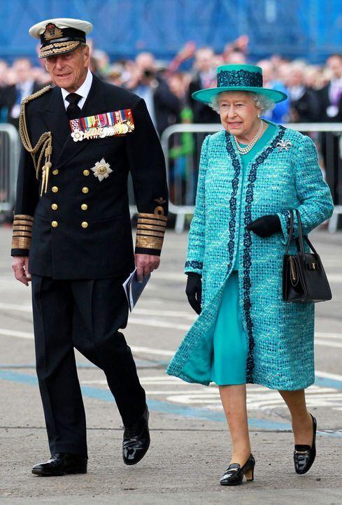Queen-ElizabethII-Prinz-Philip-14-07-04-dpa - Bildquelle: dpa